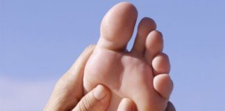 massage hammertoes and alleviate foot pain